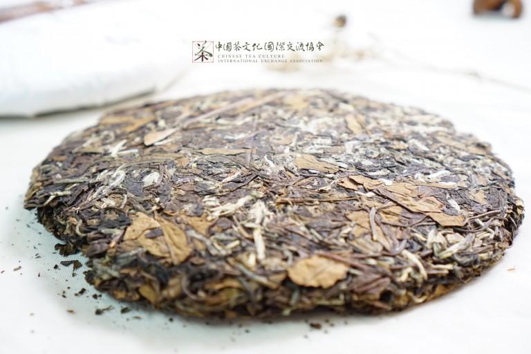 自然陳放,茶餅色澤青褐